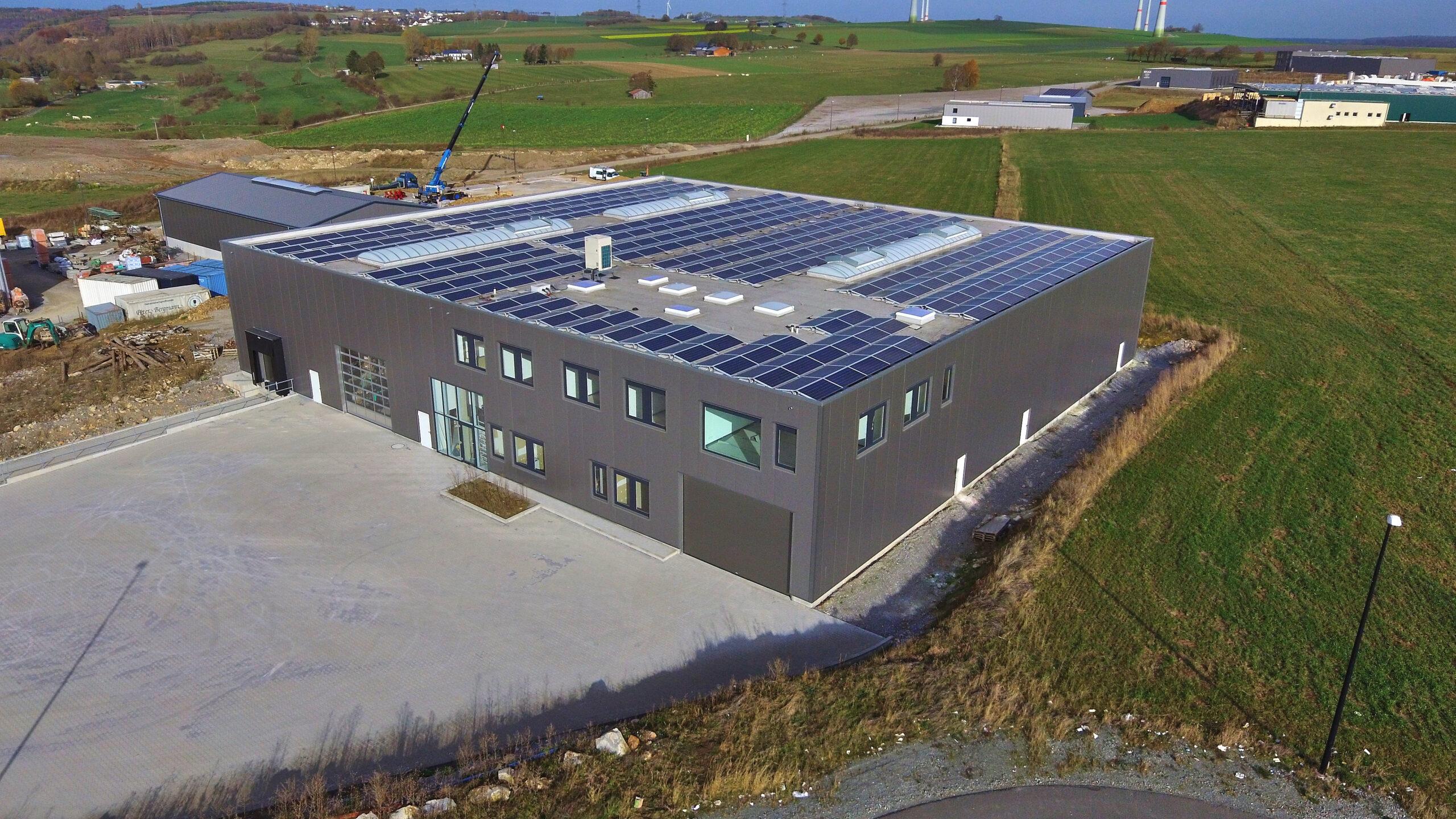 Neubau einer Lagerhalle mit Büroräumen